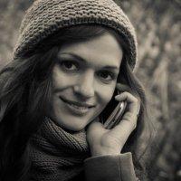 Девушка с телефоном :: Katerina Tighineanu
