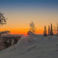 Восход солнца :: vladimir
