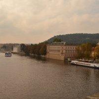 Вид на реку Влтава с Карлова моста :: Алексей Альбин