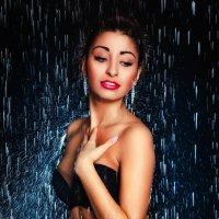 Девушка под дождем... :: Игорь Молькин