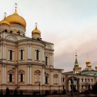 Воскресенский Новодевичий монастырь :: Вера Моисеева