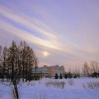 В лучах восходящего солнца в пасмурный день . :: Мила Бовкун