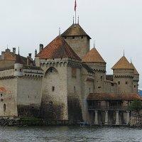 ШИЛЬОНСКИЙ ЗАМОК - один из самых величественных замков Швейцарии :: Елена Павлова (Смолова)
