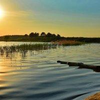 закат на озере :: Сергей