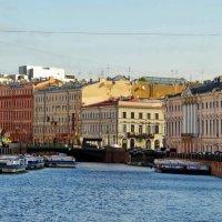 Река Мойка.Зелёный мост. :: Владимир Гилясев