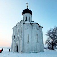 Церковь Покрова-На-Нерли в село Боголюбово. Владимирская область :: Алексей Оводов