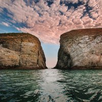 пролив между островом Иван-Баба и мысом Киик-Атлама :: Артём Портнов
