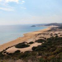 Мечта любого туриста - Золотой пляж на полуострове Карпас. Широченный и почти безлюдный :: Anna Lipatova