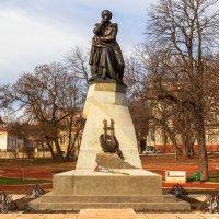 Памятник поэту Лермонтову :: Николай Николенко