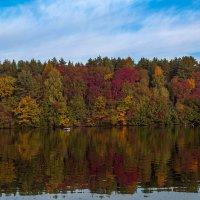 Осенний водный пейзаж :: Александр