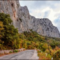 старая ялтинская дорога :: Sergey Bagach