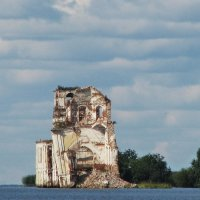 Затопленная церковь. :: Галина Pavlova
