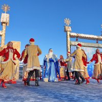 Семенково.Встреча Деда Мороза :: Валерий Талашов