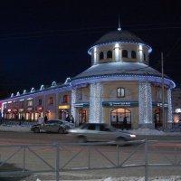 Торговые ряды в центре Рязани декабрьским вечером :: Александр Буянов