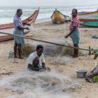 Рыбаки готовятся к рыбалке :: Илья Шипилов