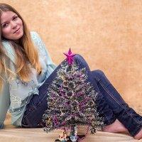 с новогодней елочкой :: Лариса Батурова