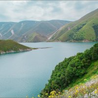 Высокогорное озеро Казеной Ам в Чечне :: Сергей Величко