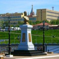 Памятник основателю Ижевска А.Ф. Дерябину :: Владимир Максимов