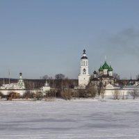 Ярославль. Вид на Толгский монастырь :: Алексадр Мякшин