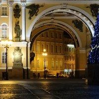 Пройдём под арку... :: Владимир Гилясев