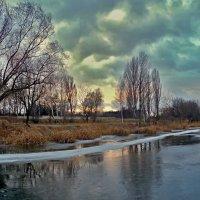 вечер на озере :: юрий иванов