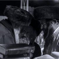 Хасиды у стены плача- חסידים לידהקוטל :: Shmual Hava Retro