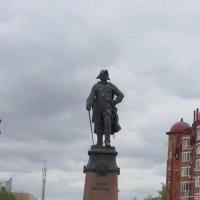 Памятник Петру  на набережной :: Герович Лилия