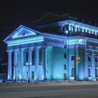 Челябинск, Ночь. Органный зал :: Марк