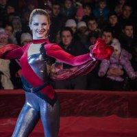 Цирк,выступление гимнастки :: Ольга Штанько