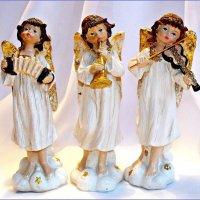 Ангелы славят Рождество Христово! :: Валерия Комова