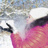 Снег... он ухитряется залететь везде...даже в сны...))) :: Ксения Заводчикова