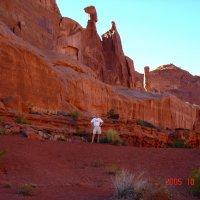 Под красными скалами штата Юта. :: Владимир Смольников