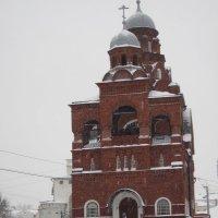 Красная церковь-музей хрусталя :: Галина