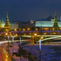 Вид с патриаршего моста :: Андрей Володин