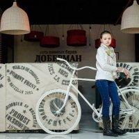 девочка с велосипедом :: Иван Ткаченко
