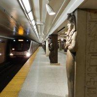 "Станция метро ""Музей"" в Торонто... :: Юрий Поляков"