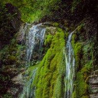 водопад в долине реки Аше :: Алёна Колесова