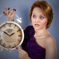 девушка с часами :: Veronika G