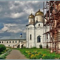 в Лужецком монастыре :: Дмитрий Анцыферов