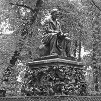 Летний сад. Памятник И.А. Крылову :: Наталья