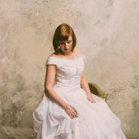Задумчивая невеста :: Валерий Фролов
