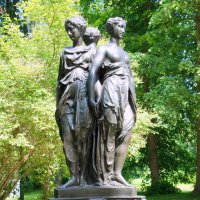 Три грации. Неизв. скульптор, Франция. Первая половина XIX в. :: Елена Смолова