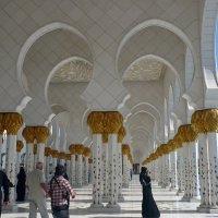 Галерея мечети шейха Заеда в Абу-Даби. :: Чария Зоя