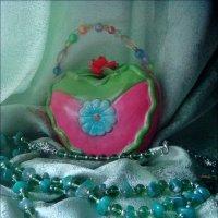 Копилочка и ожерелье :: Нина Корешкова