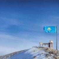 Флаг и ветер. :: Виктор Гришенков