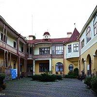 Чернівецькі дворики :: Степан Карачко