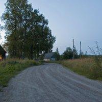 Летний вечер на окраине... :: Владимир
