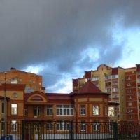 Тучи над городом :: Елена Семигина