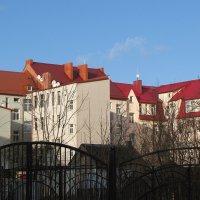 Просто крыши... :: Людмила Жданова