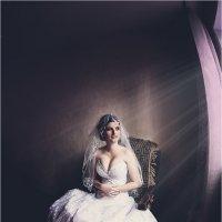 Невеста у окна :: Владимир Щебров